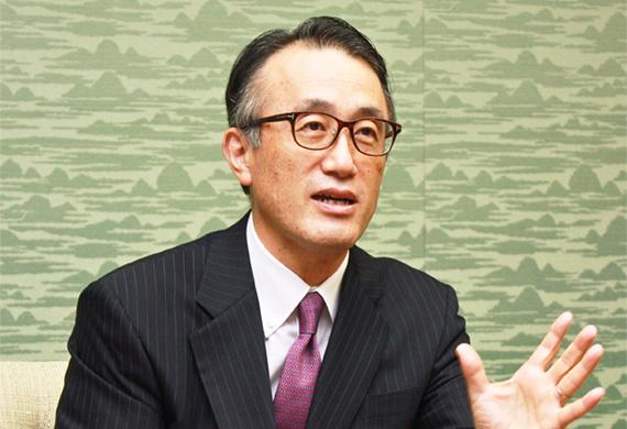 2017年10月13日号4面 三毛・三菱東京UFJ銀行頭取に聞く、体制変革とデジタル化を推進