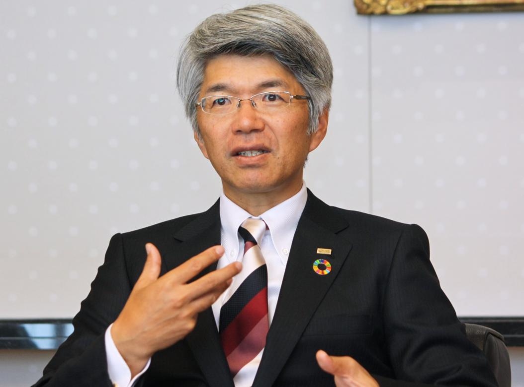 2018年4月6日号2面 藤原・全銀協会長に聞く、社会的課題の解決へ貢献