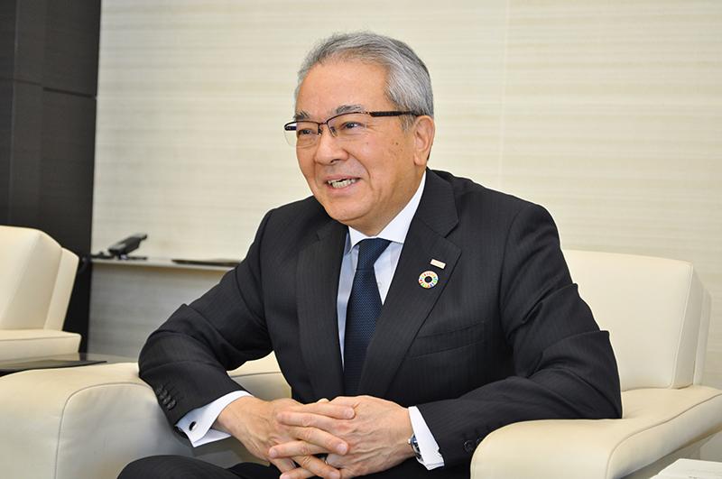 2019年4月5日号2面 髙島・全銀協会長に聞く 新時代、課題解決に貢献 マネロン対策、拍車かける