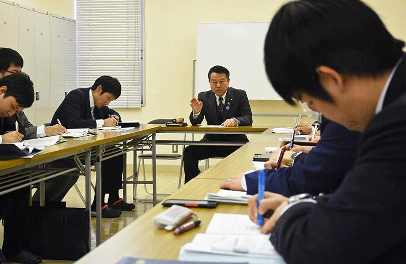 2019年4月26日号9面 新潟県内12信金・信組、若手経営者の会、地域担うリーダー育てる