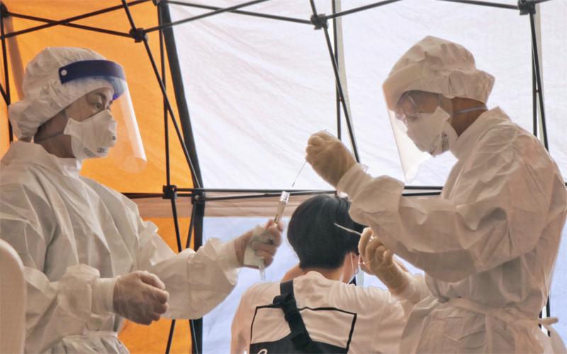 葛飾区・平成立石病院でのPCR検査の様子