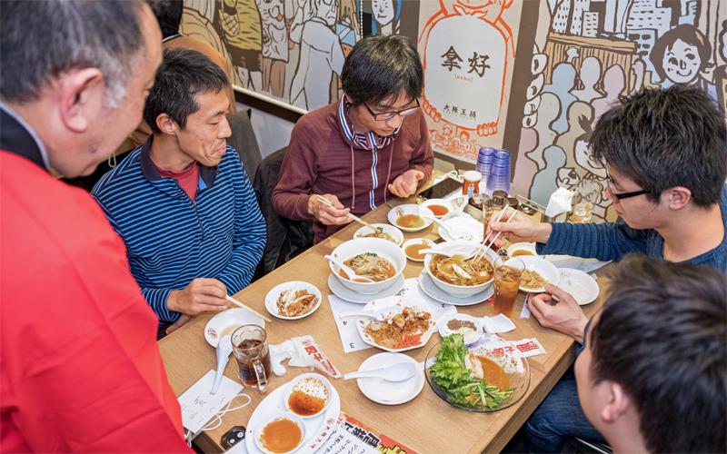 リアルのイベント開催で企業と投資家のつながりを強化するファンズ(写真は2019年12月に開催した大阪王将の試食会)