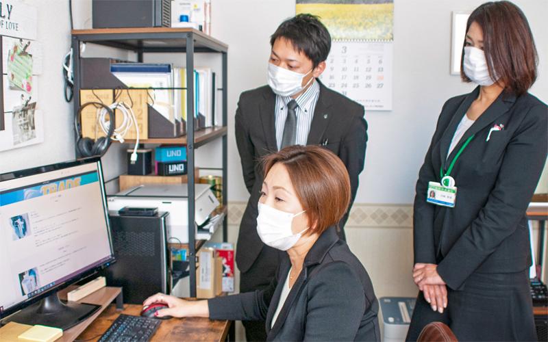 2021年3月19日号20面 ワンチーム 渉外・内務の連携、福岡中央銀行黒崎支店