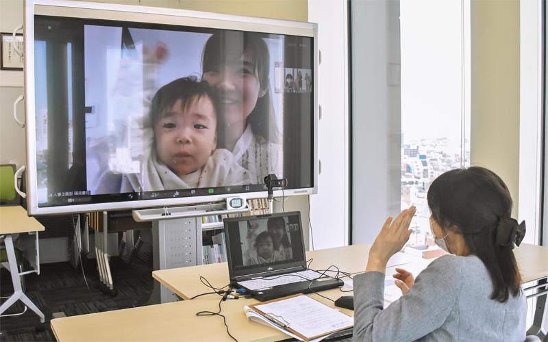 復職前の面談をオンラインで行っている富山第一銀行(3月9日、富山第一銀行本店営業部)
