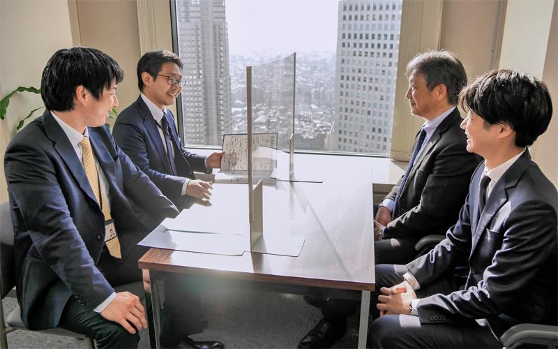 2021年4月2日号20面 ワンチーム 新営業体制のモデル店、東日本銀行新宿支店