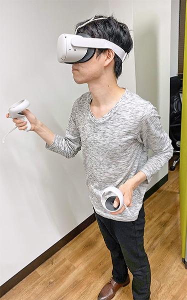 VR専用のヘッドセットを使い実体験に近い臨場感を体験できる