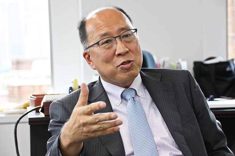 2021年10月1日号3面 インタビュー 遠藤元金融庁長官、顧客の評価が判断基準