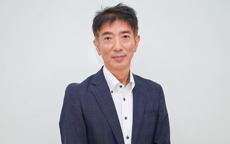 2021年10月1日号13面 新連載・インサイト キーパーソンに聞く<1>、西川・NTTデータエービック社長、総合的な窓販支援を提供